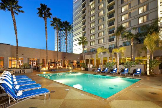 DoubleTree by Hilton Hotel San Diego - Mission Valley: Outdoor Pool