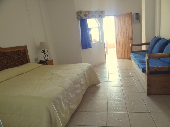 Suites Emperador: Other Hotel Services/Amenities
