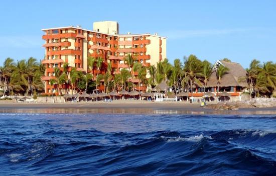 Luna Palace Hotel / Suites: FACHADA
