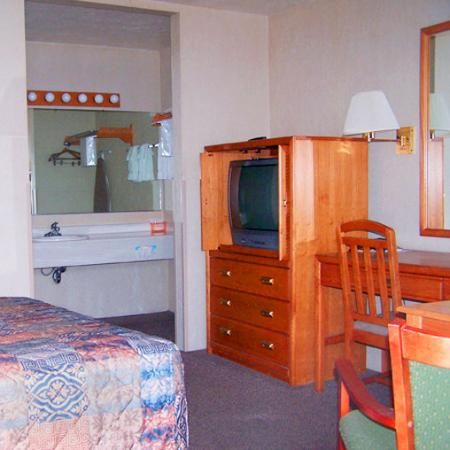 Main Motel: Guest Room