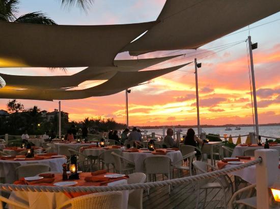 Alexandra Resort: Restaurant