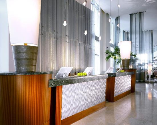 Marenas Beach Resort: Front Desk
