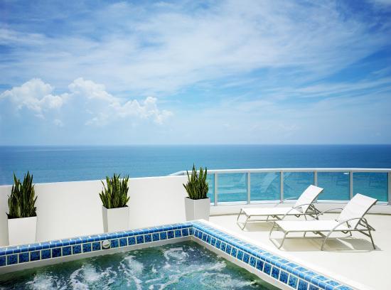 Marenas Beach Resort: Penthouse Terrace