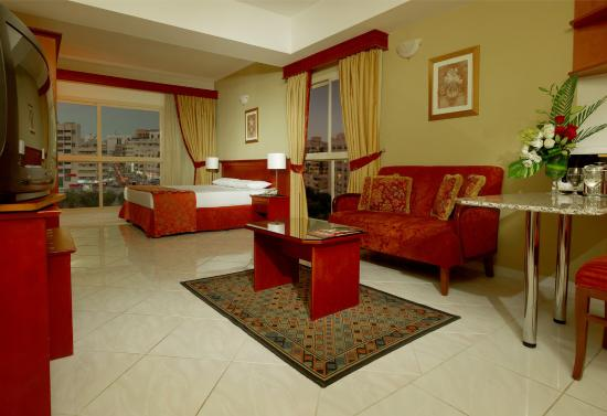 Dar Al Sondos Hotel Apartments by Le Meridien: Guest Room
