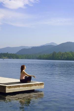 Golden Arrow Lakeside Resort: Yoga on the dock of the Golden Arrow Lake Placid