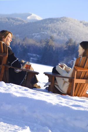 Golden Arrow Lakeside Resort: Winter Fun on Mirror Lake