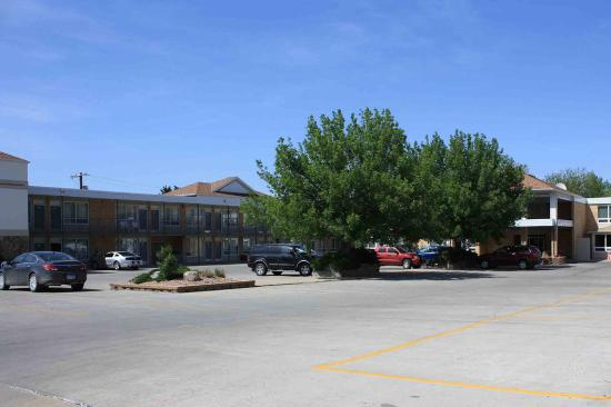 Photo of Best Western Lee's Motor Inn Chamberlain