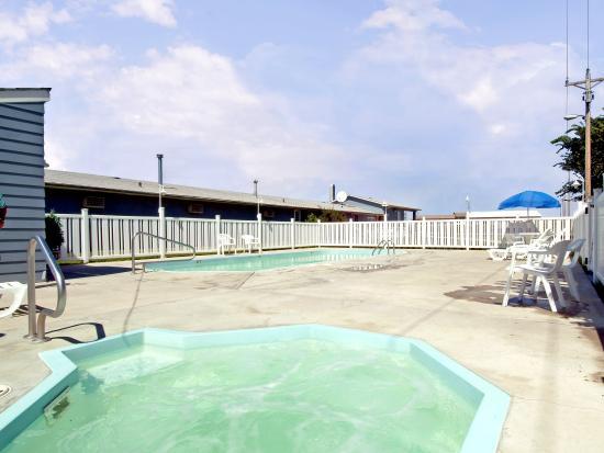 Rodeway Inn Kadoka: Pool