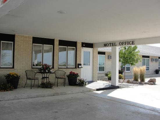 Williams, IA: Hotel Exterior