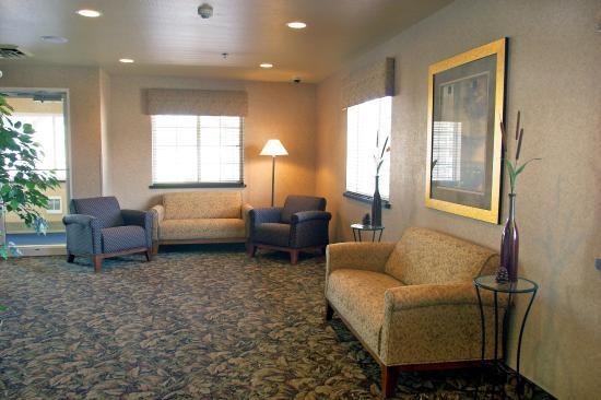 Crivitz Lodge: Lobby