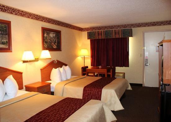 Days Inn & Suites Monroe: Double