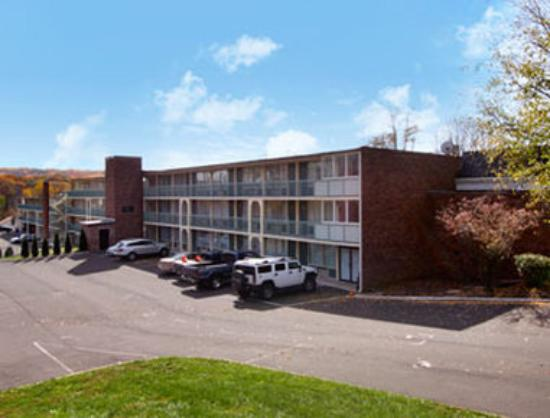 Rodeway Inn & Suites - New Hope: Welcome to the Ramada New Hope