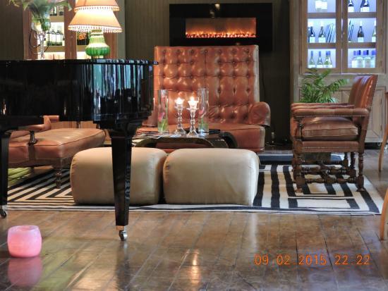 The Aubrey Boutique Hotel: Piano Bar