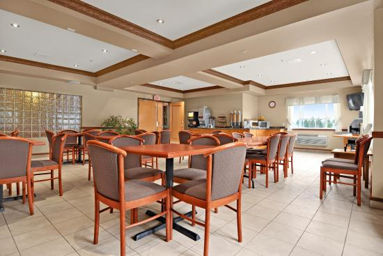 Best Western King George Inn & Suites: Breakfast Room