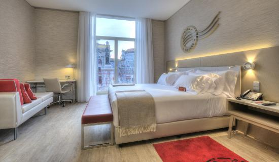 Hotel NH Collection Porto Batalha