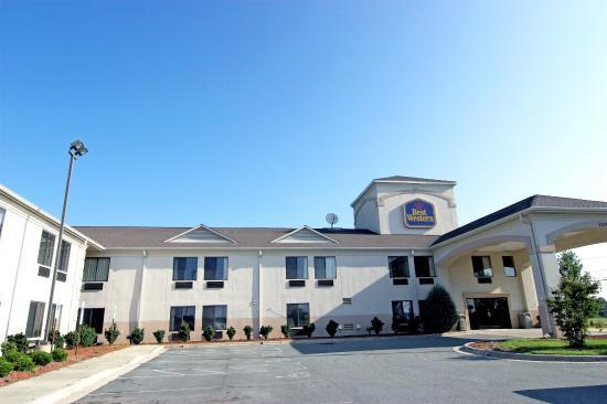 Days Inn Burlington East : Exterior