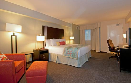 Coast Kamloops Hotel & Conference Centre: Premium Suite - South Tower