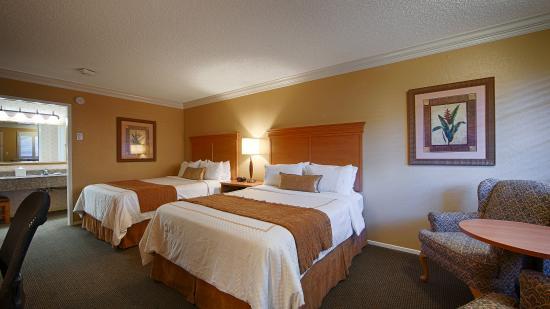 Best Western Plus El Rancho Inn: Two Queen Guest Room