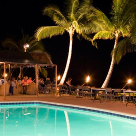 Hotel Molokai: Pool At Night