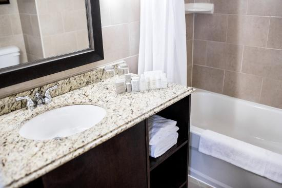 The Lord Nelson Hotel & Suites : Petite Bathroom