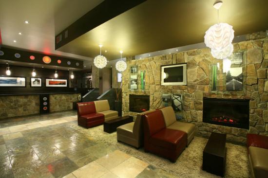 Sandman Hotel Castlegar: Front Desk