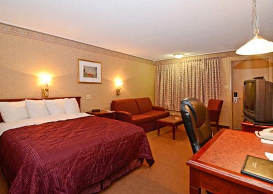 Travelodge Edmundston: Guest Room (OpenTravel Alliance - Guest room)