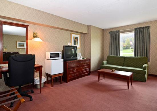 Travelodge Edmundston: In Room Amenities (OpenTravel Alliance - Guest roo