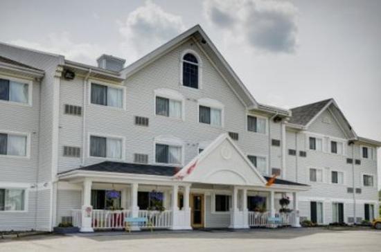 Lakeview Inns & Suites – Miramichi : Exterior