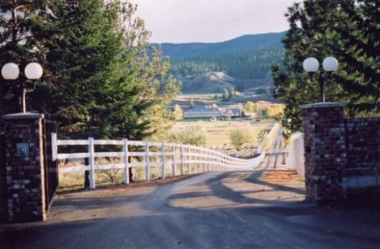 South Thompson Inn & Conference Center: Enterance
