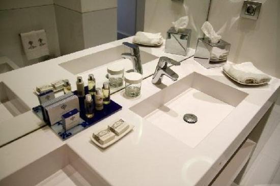 Hotel Portugal: Bathroom