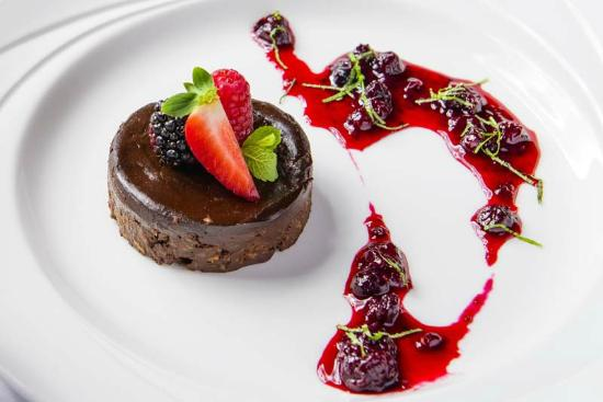 The Lakeside Bistro: Tasty desserts