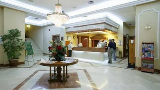 Hotel Monte Puertatierra: Reception