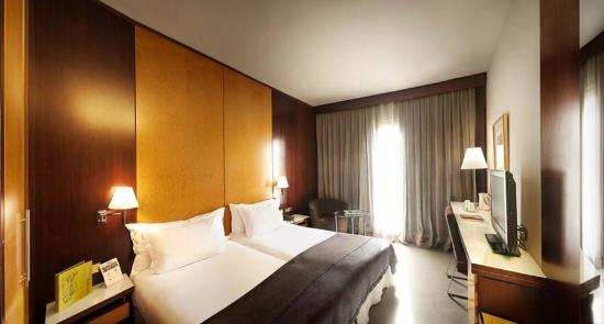 Hotel Silken Ramblas Barcelona : Hab Confort Moqueta