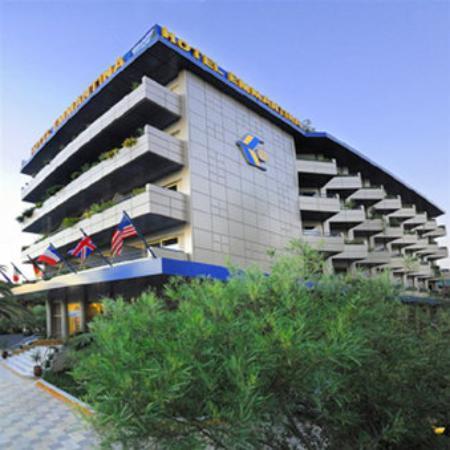 Emmantina Hotel: Exterior