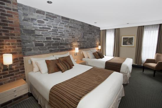 Hotel du Vieux-Quebec: Standard room with 2 Queen beds