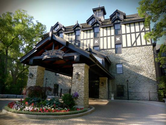 Old Mill Toronto: Inn Entrance