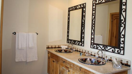 Rancho Manana Resort: Bathroom