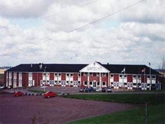 Amherst Wandlyn Inn: Exterior