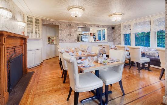 Abigail's Hotel: Dining Room