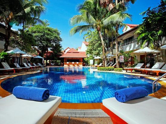 Horizon Patong Beach Resort & Spa: Hotel Exterior