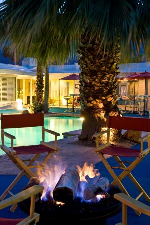 Palm Springs Rendezvous: Great Nights with our Firepit