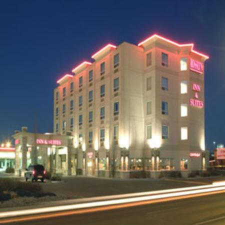 Rosslyn Inn and Suites: Hotel Exterior
