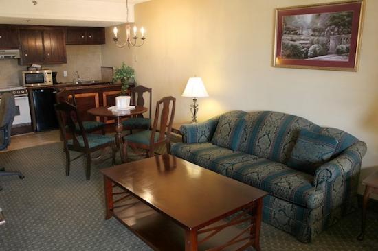 Rodeway Inn & Suites: Parlor Suite