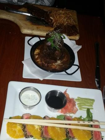 Mojito's Tapas Restaurant: Ribs, skirt steak and tuna dishes