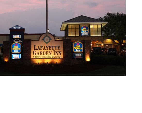 Lafayette Garden Inn & Conference Center: Exterior