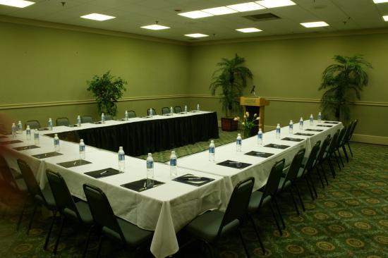 Lafayette Garden Inn & Conference Center: Meeting Facilities