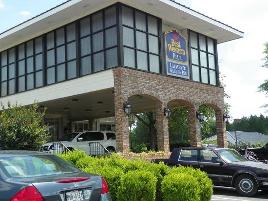 Lafayette Garden Inn & Conference Center: Restaurant Exterior