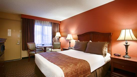 Best Western Plus Landing View Inn & Suites: Queen Room