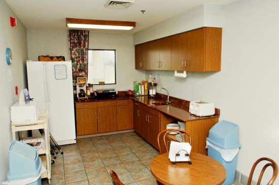Briarwood Inn: Breakfast Area