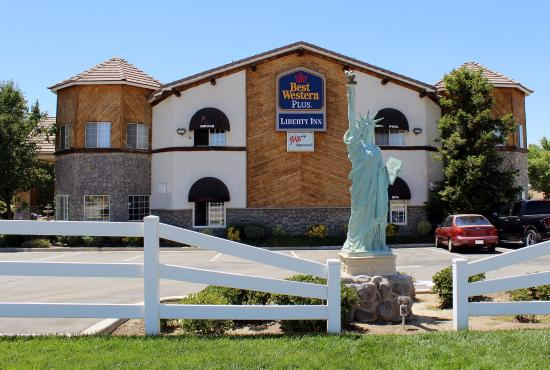 BEST WESTERN Liberty Inn: Exterior